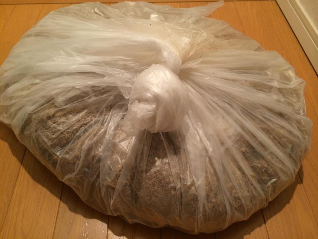 袋のまま発酵させます